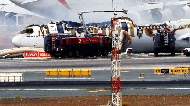 emirates-plane-crash-lands-at-dubai-airport